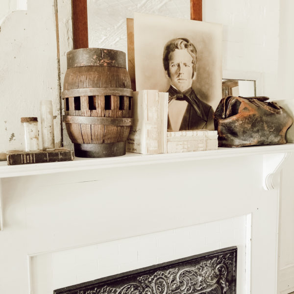 How to add Black and white antique character mantel decor