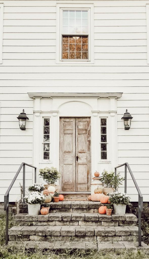 Fall Farmhouse Porch and Patio Decor 1