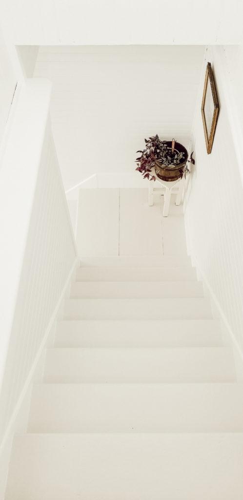 DIY Farmhouse Painted Stairway
