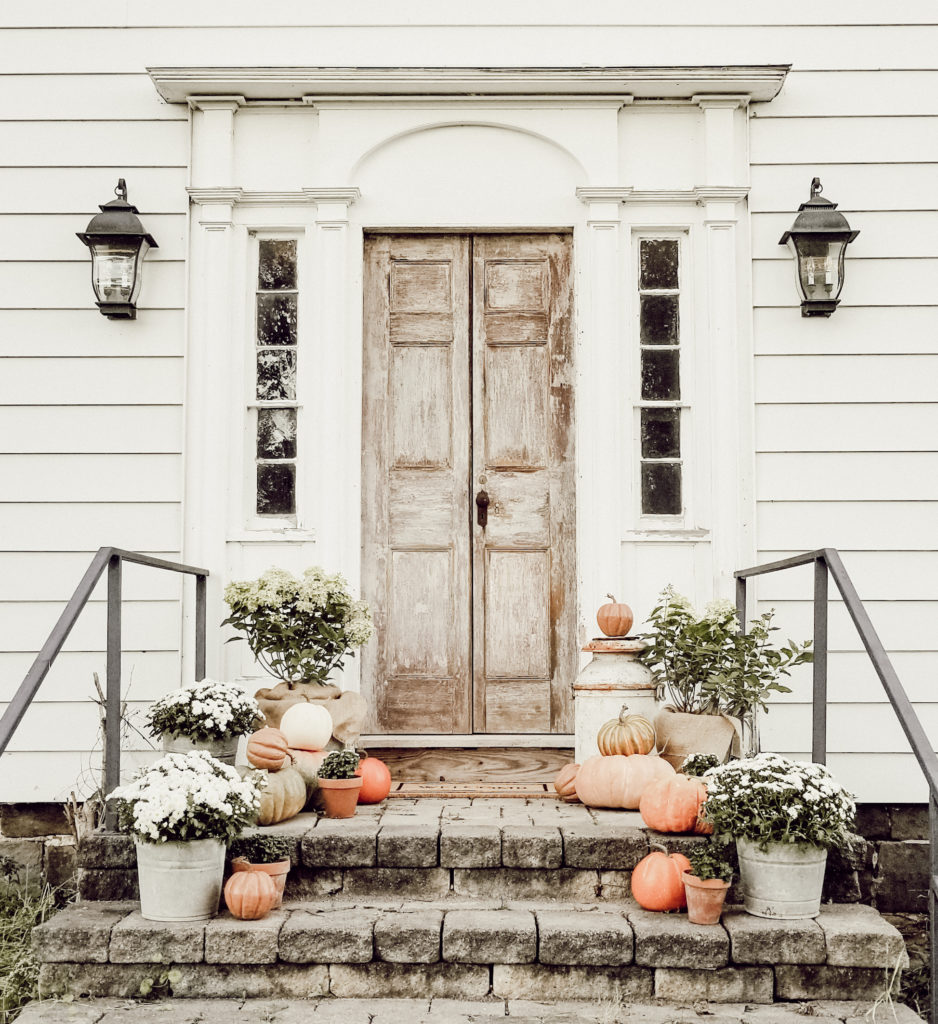 Outdoor fall farmhouse inspiration