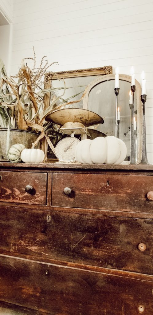 Cozy Fall Farmhouse Decor Ideas On A Budget